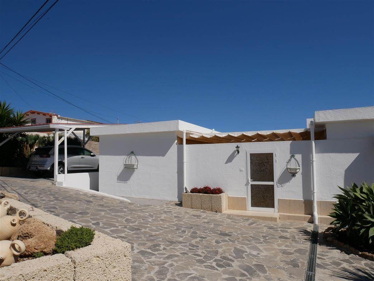Hermosa casa con piscine privada en excelentes condiciones. Lla casa tienen une .... más info
