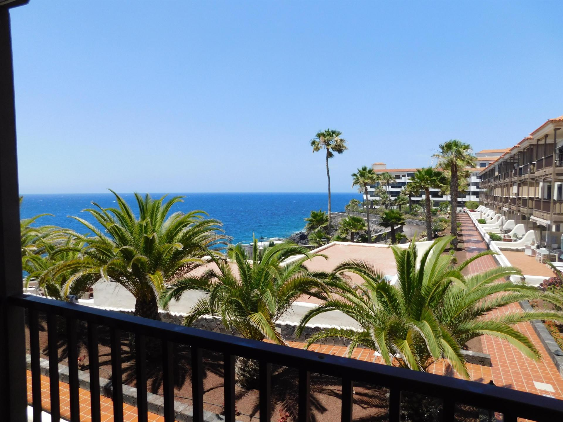 A well maintained 1 bedroom apartment, located on the first floor of the sea front .... more info