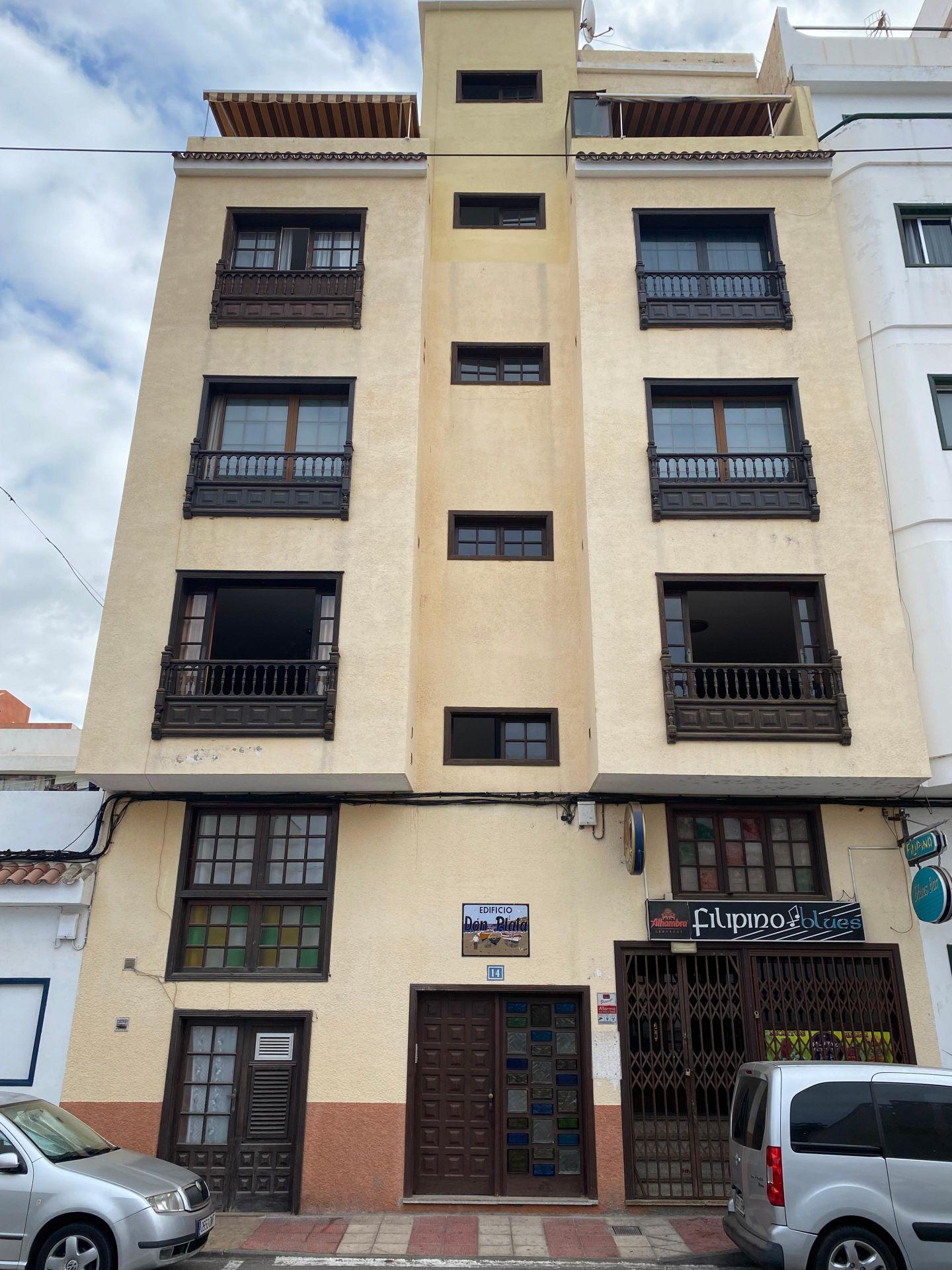 In der Nähe der Rambla von Las Galletas im Gebäude 'Don Plata' befindet sich diese .... mehr Info