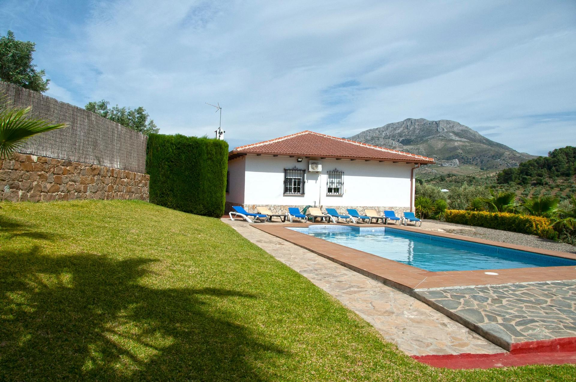 Ref:F3431899X country house For Sale in El Burgo