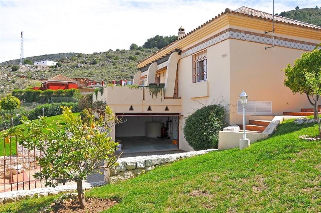 Ref:V2885981P Villa For Sale in Alhaurín de la Torre