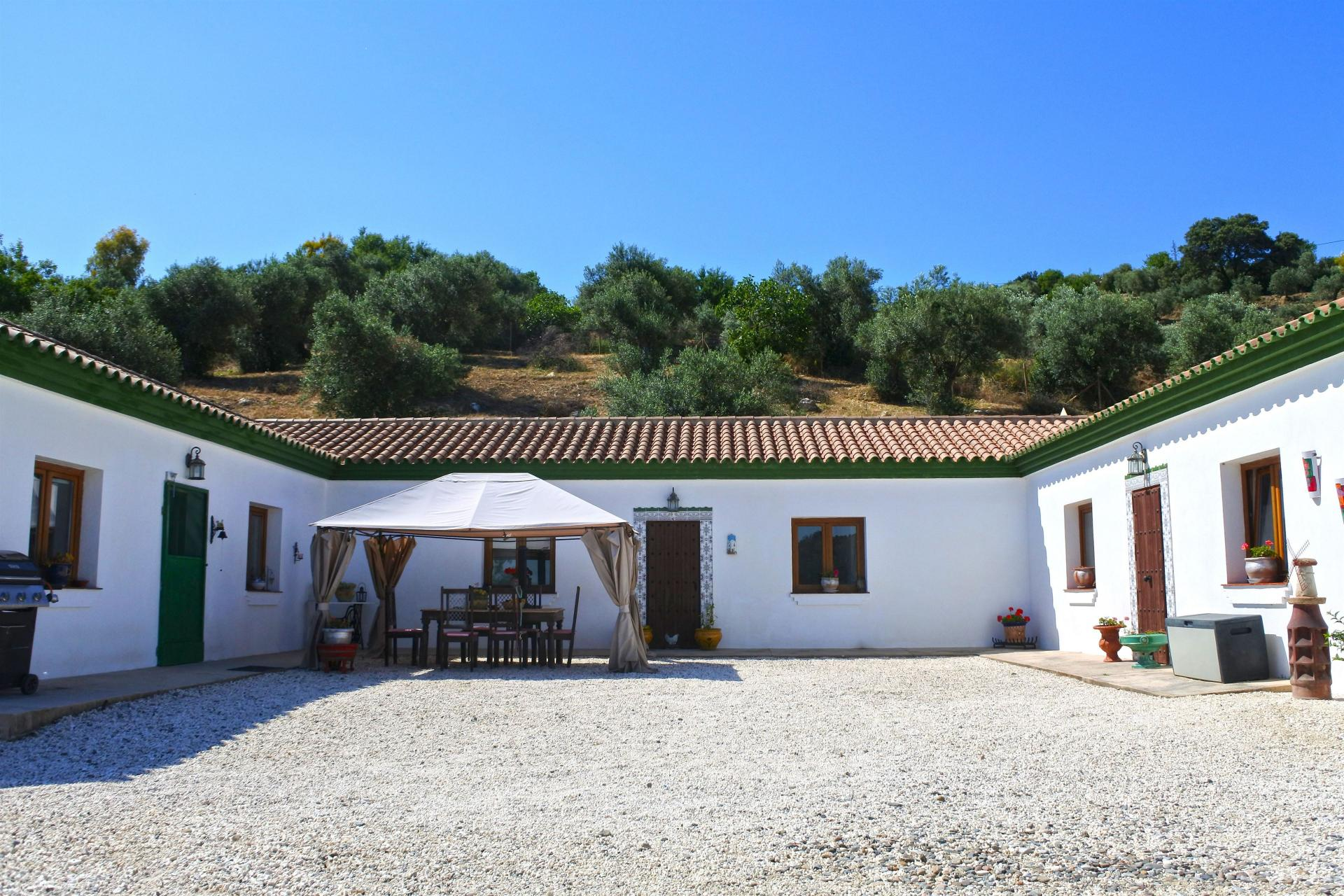 Ref:F3202990 country house For Sale in Casarabonela