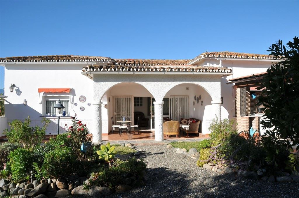 Ref:V3608171X Villa For Sale in Coín