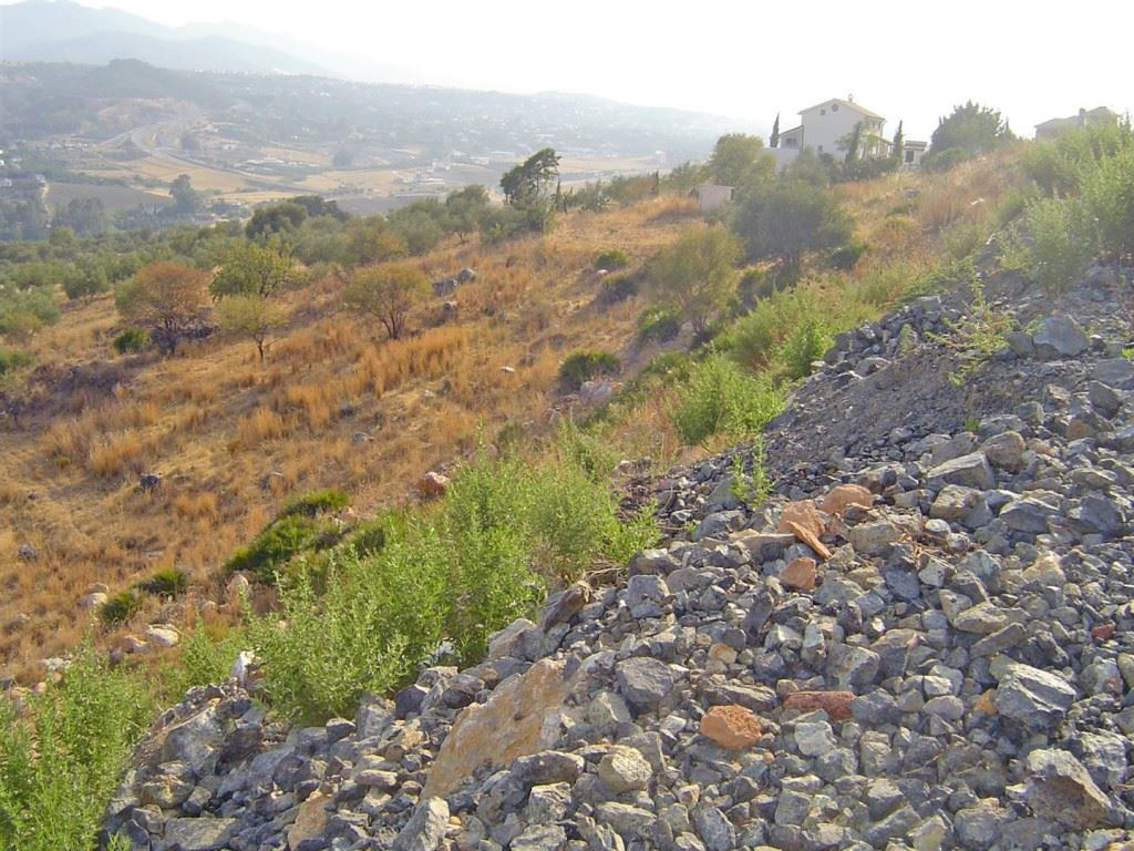 Ref:P37601 Land For Sale in Coín