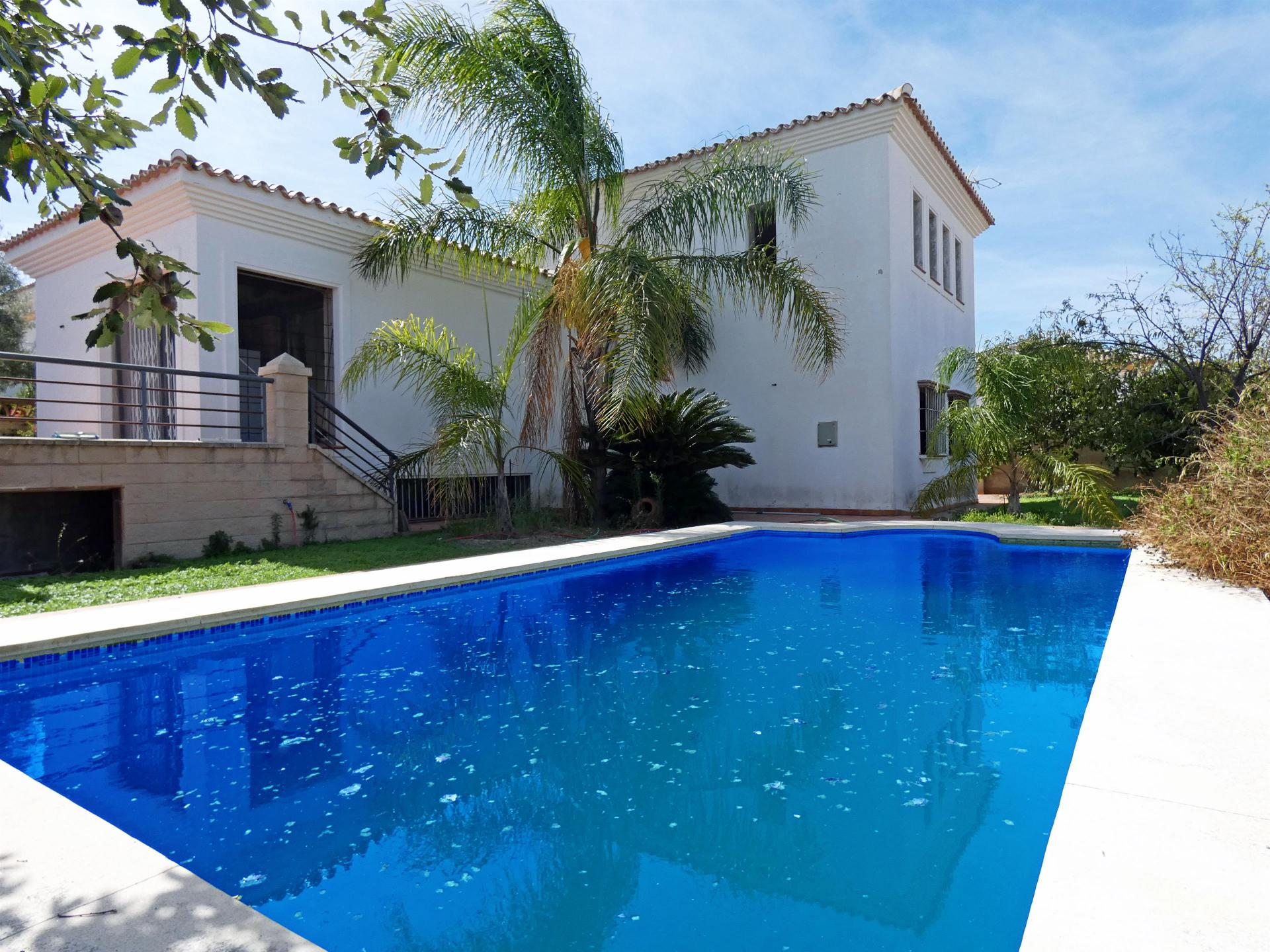 Ref:V3070453 Villa For Sale in Coín