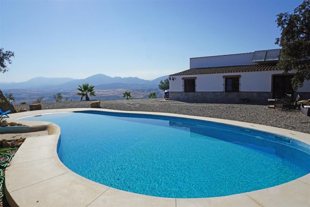 Ref:F2985551 country house For Sale in Álora