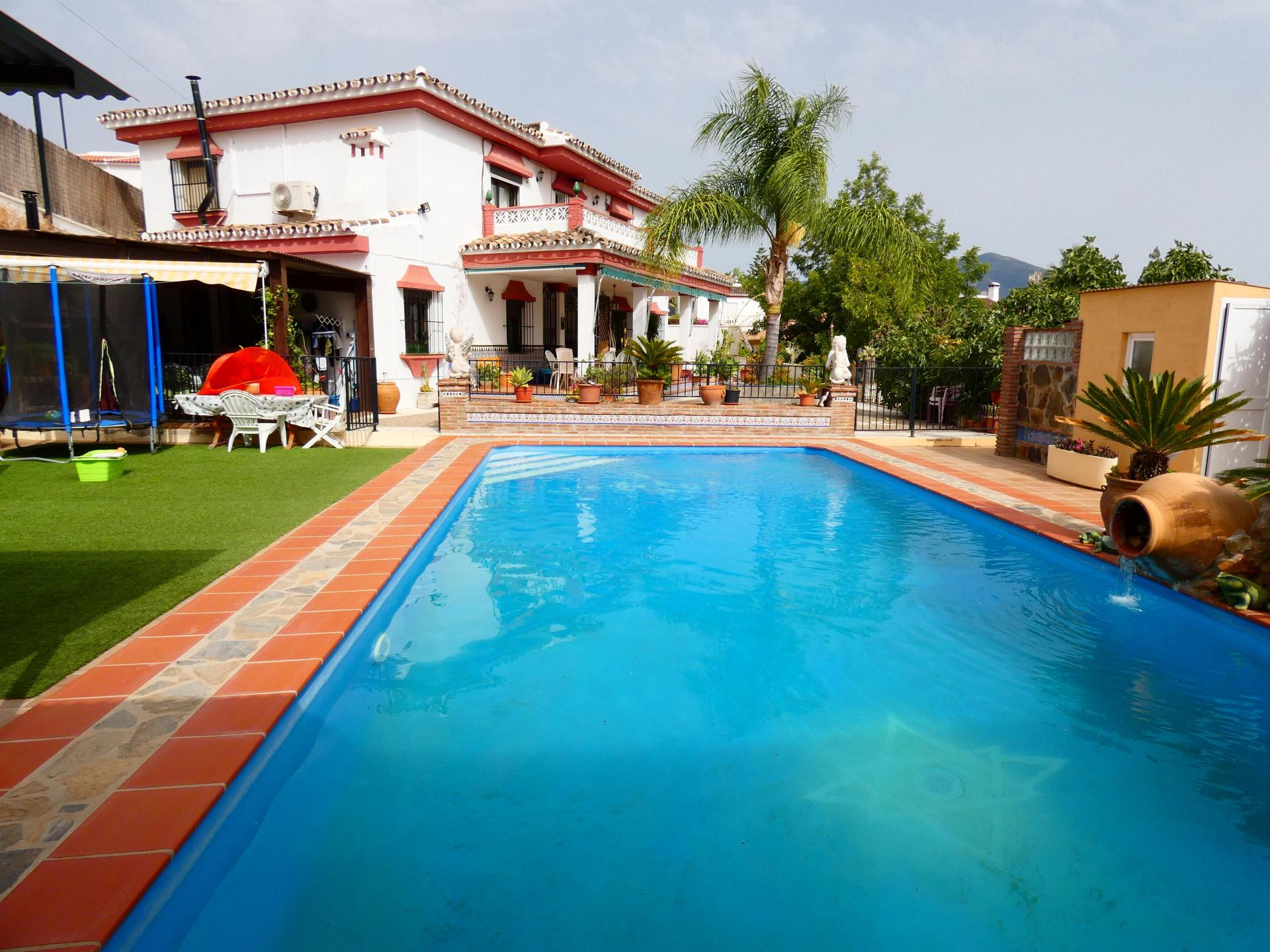 Ref:V3469318 Villa For Sale in Coín