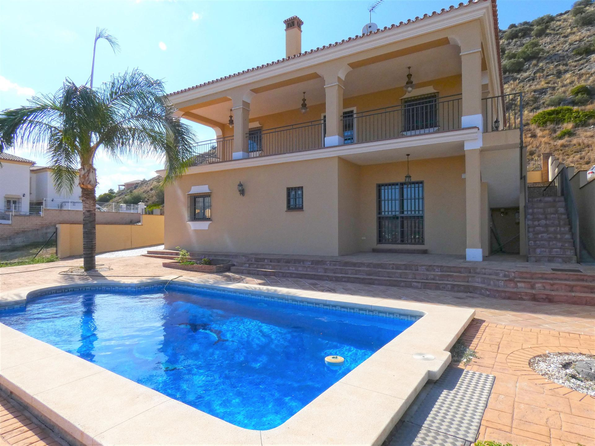 Ref:V3457900 Villa For Sale in Coín