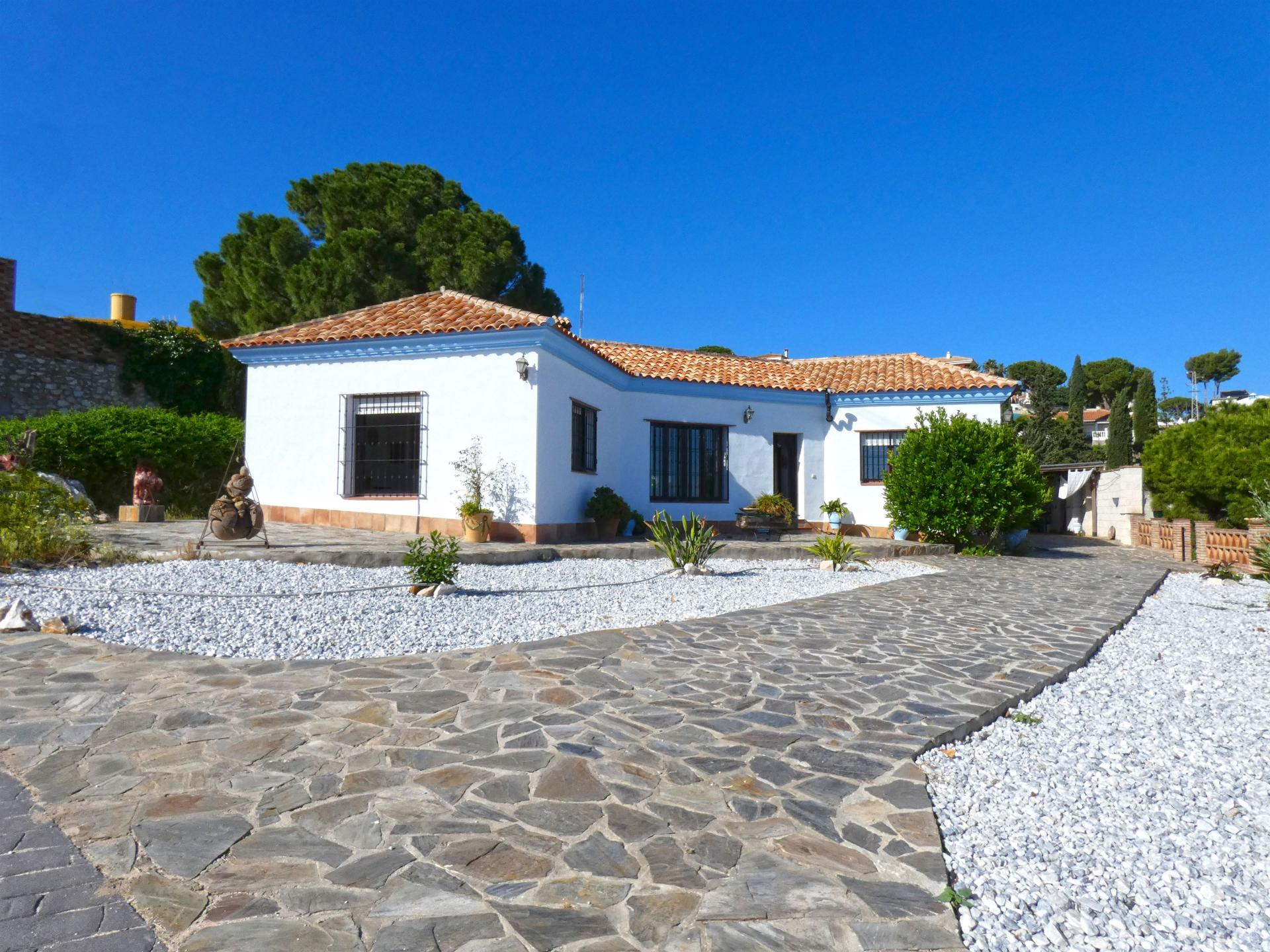 Ref:V3421723 Villa For Sale in Alhaurín de la Torre