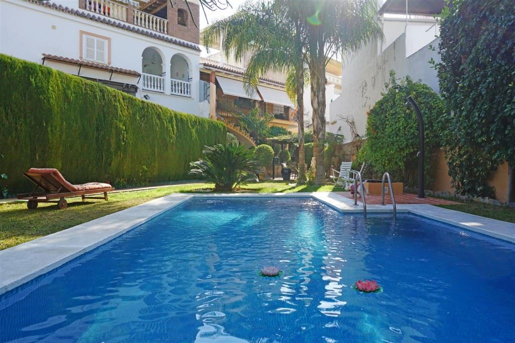 Ref:TH2085962 Town house For Sale in Alhaurín el Grande