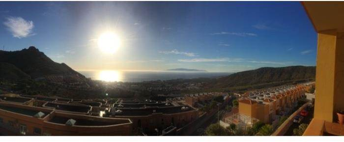 Cosy penthouse with lots of light, fantastic sea views at the island La Gomera! The .... more info