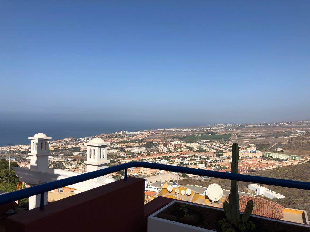 This is a beautiful 2 bedroom apartment of 75 sqm in Roque del Conde, with a terrace of .... more info